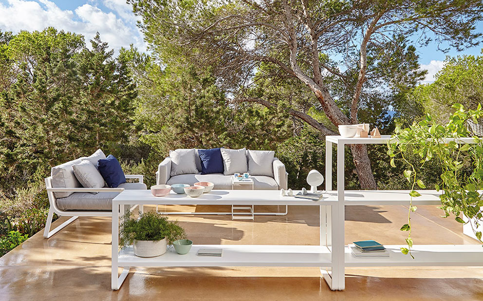 http://interno.es/wp-content/uploads/2017/05/gandia-blasco-muebles-de-decoracion-exterior-en-interno-murcia.jpg